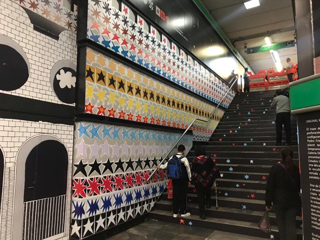 Galería metro en trasborde de Bellas Artes